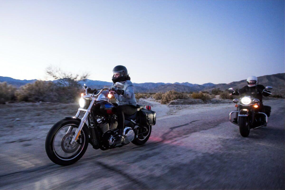 femme-moto-gants-moto