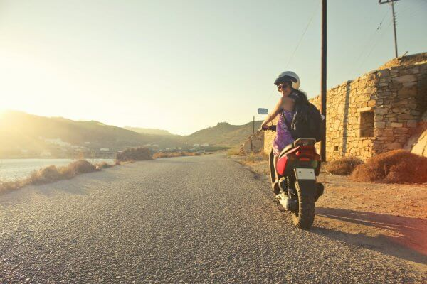 femme-scooter